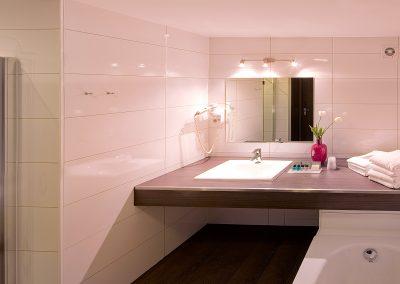 hotel-den-bosch__hotel-s-hertogenbosch__van-der-valk__Superior_Badkamer